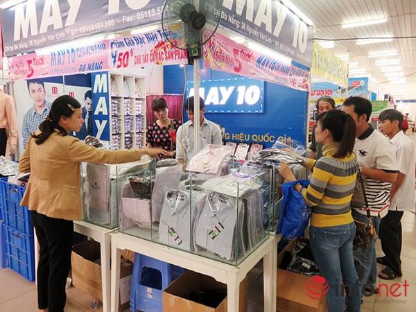 Đà Nẵng: Hàng Trung Quốc lại chui vào hội chợ hàng Việt! - 1