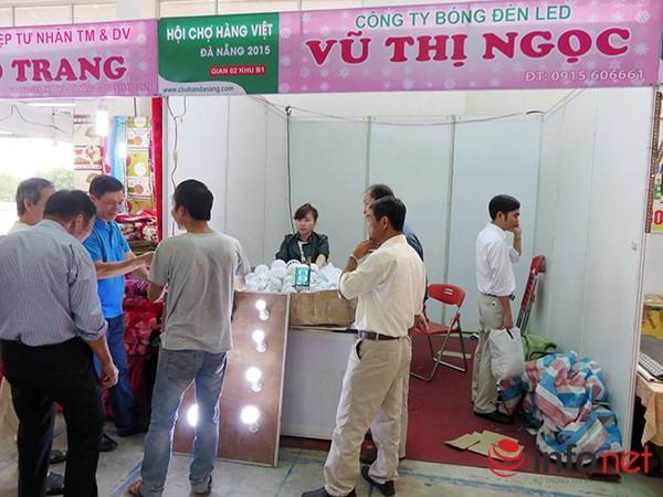 Đà Nẵng: Hàng Trung Quốc lại chui vào hội chợ hàng Việt! - 11