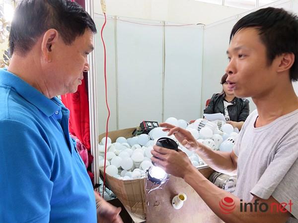 Đà Nẵng: Hàng Trung Quốc lại chui vào hội chợ hàng Việt! - 13
