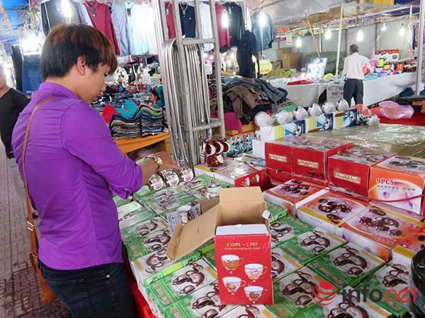 Đà Nẵng: Hàng Trung Quốc lại chui vào hội chợ hàng Việt! - 2