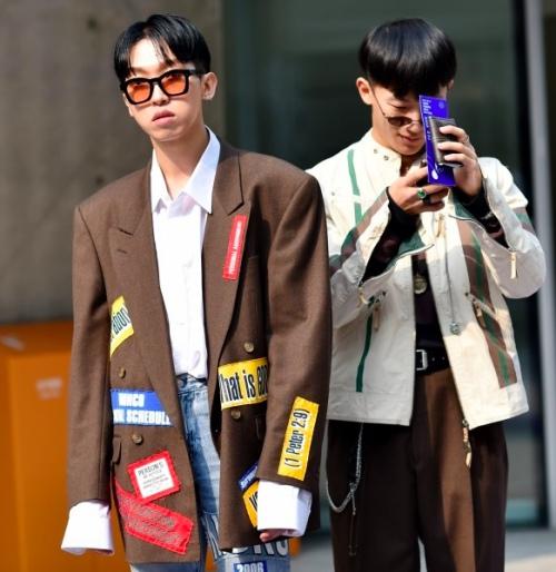 1449890613 1449759201 3 Đến Hàn ngắm các anh chàng sành điệu với áo khoác