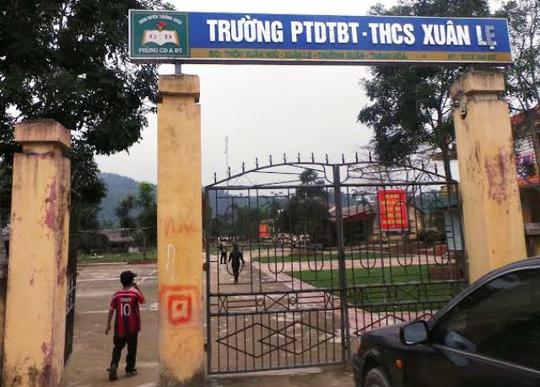 Điều tra vụ tố thầy hiếp dâm nữ sinh trong trường - 1