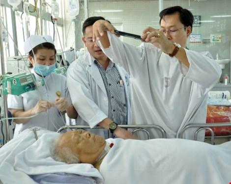 Cuối tuần vào bệnh viện làm CMND cho bệnh nhân - 4