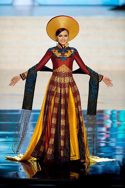 1449898161 1447643512 7 Trang phục dân tộc của mỹ nhân Việt ở đấu trường quốc tế
