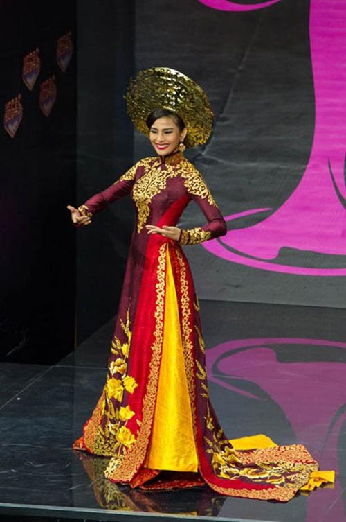 1449898161 1447643595 9 Trang phục dân tộc của mỹ nhân Việt ở đấu trường quốc tế