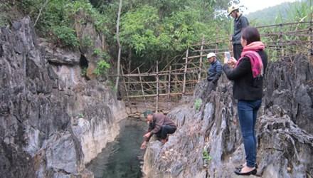 """Phát hiện suối nước nóng """"cảnh đẹp như tranh"""" ở Thanh Hóa - 1"""