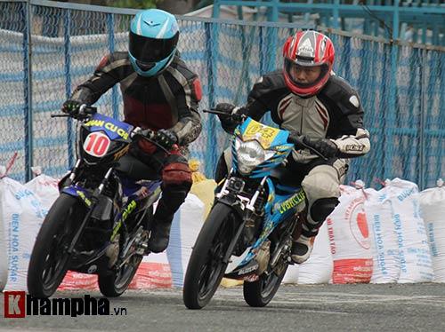Đã mắt màn trình diễn ở giải đua mô tô Việt - 11