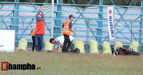 Đã mắt màn trình diễn ở giải đua mô tô Việt - 5