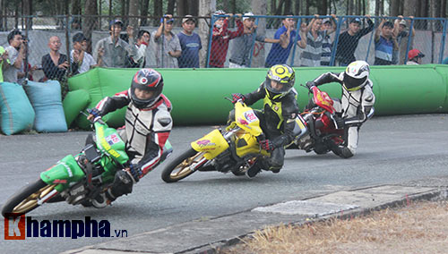 Đã mắt màn trình diễn ở giải đua mô tô Việt - 6