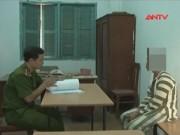 Video An ninh - Cặp tình nhân chống cự quyết liệt, băng cướp bỏ chạy