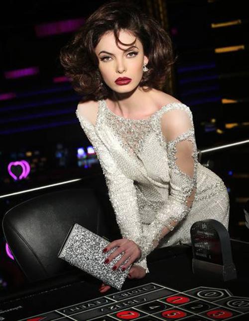 1449984324 1449982704 kosovo Phạm Hương lọt top 22 thí sinh có khuôn mặt đẹp nhất