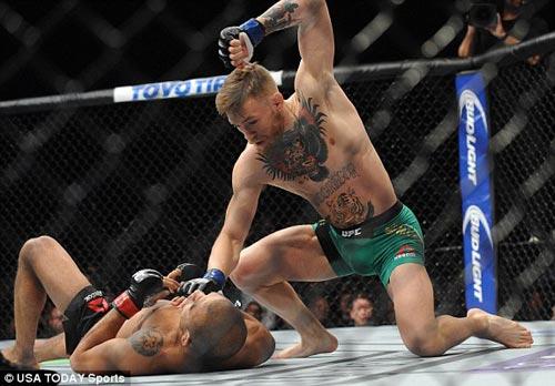 Siêu kinh điển UFC: Quá nhanh, quá nguy hiểm - 2