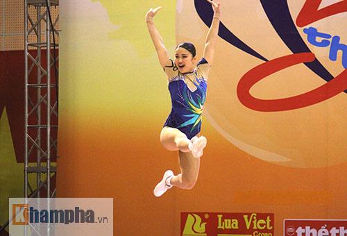 """Xem người đẹp Aerobic """"bay lượn"""" tại giải châu Á - 11"""