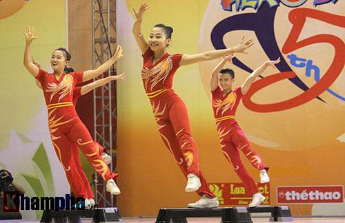 """Xem người đẹp Aerobic """"bay lượn"""" tại giải châu Á - 13"""
