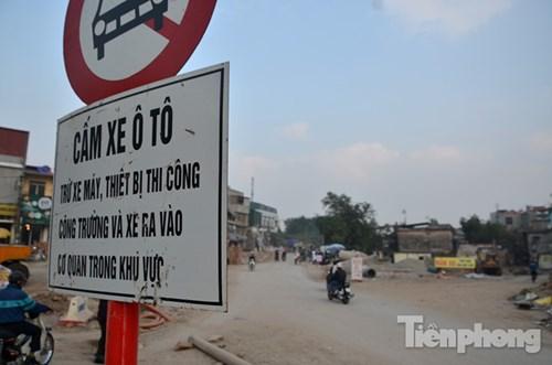 """""""Bão bụi"""" mù mịt ở con đường làm 10 năm chưa xong 570m - 15"""