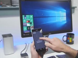 """Video: """"Hô biến"""" Lumia 950 thành PC chạy Windows 10"""