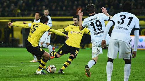 Dortmund - Frankfurt: Chọc giận chủ nhà - 1