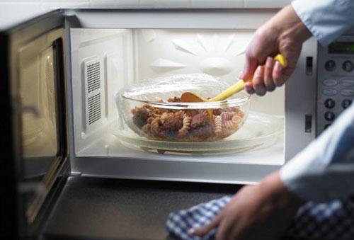 Những thực phẩm tuyệt đối không hâm nóng lại khi ăn - 1