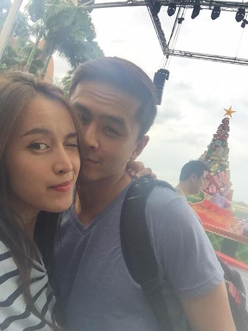Facebook sao 14/12: Lộ ảnh con trai và 'bà xã' Tùng Dương - 10