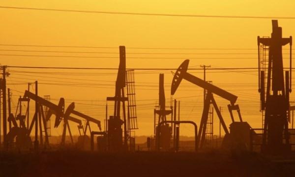 Giá dầu sẽ xuống mức 20 USD/thùng? - 1
