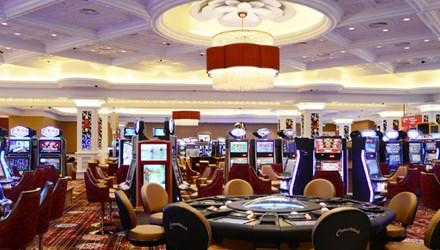 Casino, cá độ thể thao: Chờ nghị định, tiền chảy qua biên giới - 1