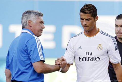 Tin HOT tối 14/12: MU mời Ancelotti để câu CR7 - 1