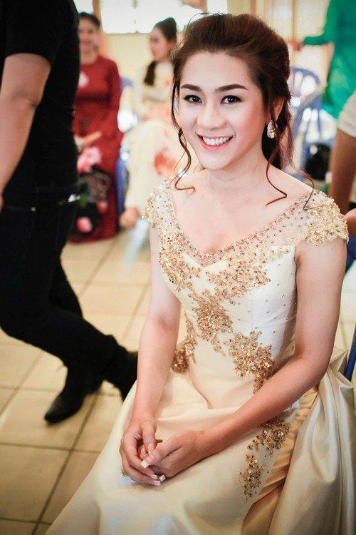 'Nhan sắc chuyển giới' Lâm Chi Khanh ngày càng khác lạ - 11