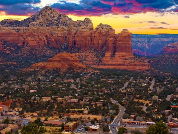 Phố cổ Hội An lọt top 10 thị trấn đẹp nhất thế giới - 5