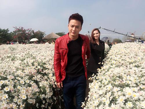 Facebook sao 15/12: Cao Thái Sơn chế ảnh 'Hương Tràm cho con bú' - 7