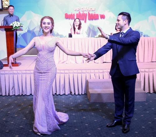 Lâm Chi Khanh chấp nhận tổn thọ tiêm thêm hormone nữ - 1