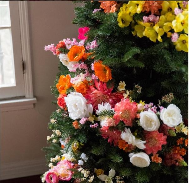 Làm cây thông Noel kết hoa lộng lẫy cho mùa Giáng sinh - 2