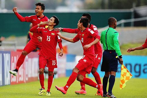 Bóng đá Việt Nam học gì từ Thái Lan và các nước ĐNA? - 2