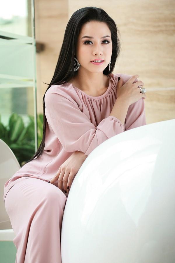 Nhật Kim Anh 'lột xác' gây tranh cãi sau khi làm mẹ - 3