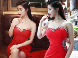 Bạn trẻ - Cuộc sống - Nữ thạc sỹ có gương mặt đẹp như Phạm Hương, Elly Trần