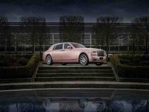 """Ngắm Rolls-Royce màu hồng """"siêu cute"""""""