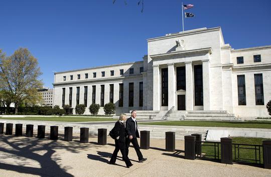 Thị trường tài chính toàn cầu bất an vì FED - 1
