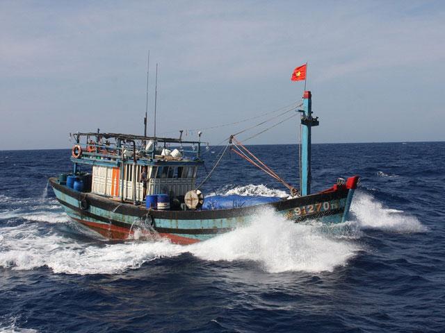 Đề nghị Philippines cho tàu cá VN vào tránh bão Melor - 1