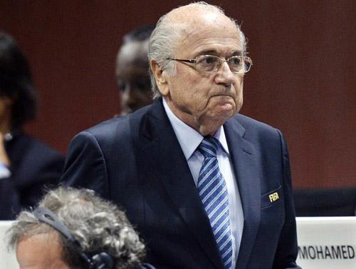 """Blatter ám chỉ FIFA nương nhẹ Real, """"xử ép"""" Barca - 1"""