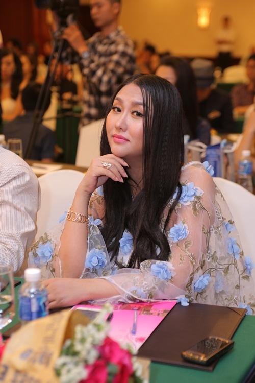 Bà bầu Phi Thanh Vân tăng cân chóng mặt - 3