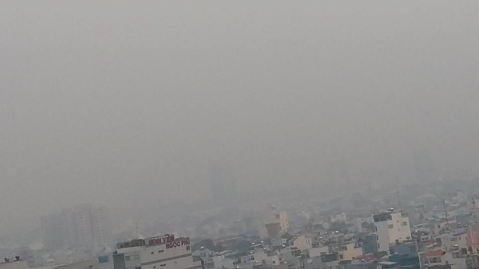 TPHCM chìm trong sương mù dày đặc trước thềm Noel - 2