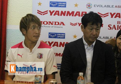 HLV Cerezo Osaka đề cao ông Miura, e ngại Công Phượng - 1