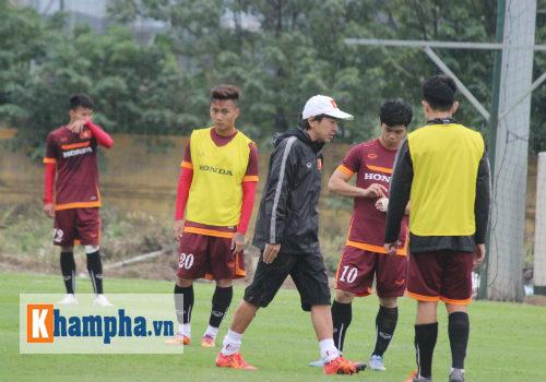 Đấu CLB Nhật, Miura đau đầu vì U23 VN sút phạt kém - 11