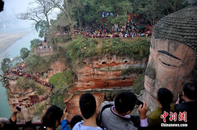Bí ẩn bức tượng Phật 4 lần rơi lệ ở Trung Quốc - 6