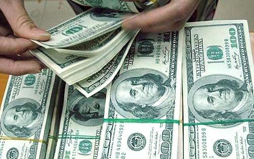 Thị trường ngoại tệ phức tạp, giá USD tăng mạnh kịch trần - 1