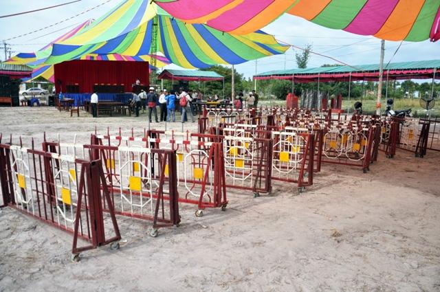 Rà bom, mìn khu vực xét xử vụ thảm án ở Bình Phước - 10