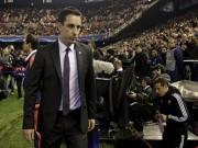 Bóng đá Ngoại hạng Anh - Gary Neville mang chuông đi đánh xứ người ra sao?