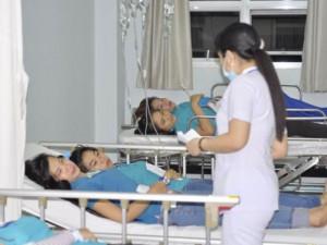 Tin tức trong ngày - Xử phạt vụ 94 công nhân bị ngộ độc sau bữa cơm