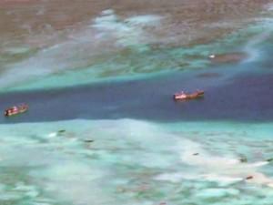 Phóng viên BBC mục kích ngư dân TQ phá san hô ở Trường Sa