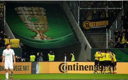 Augsburg - Dortmund: Hiệp 2 bùng nổ - 1
