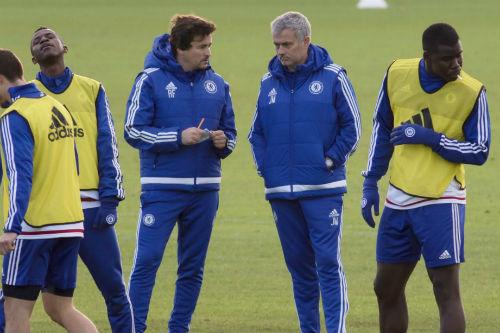 Chelsea chính thức sa thải HLV Mourinho - 6